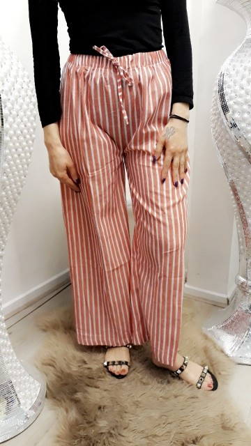 Striped pants -red