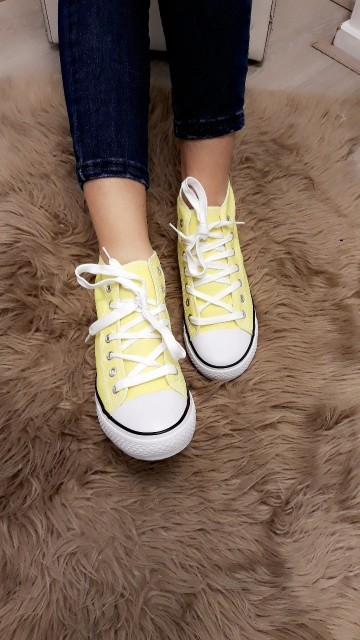 Sneakers  -yellow