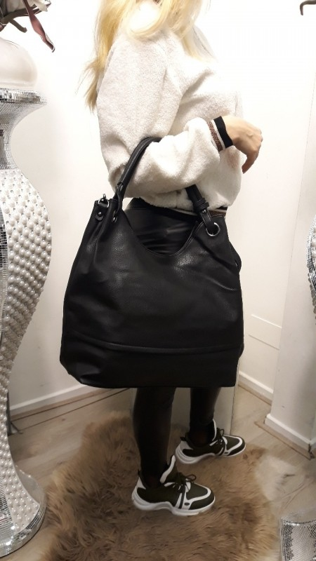 Black hangbag