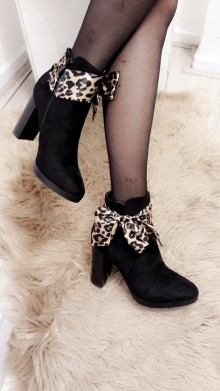 Leopard Ribbon Black Boots