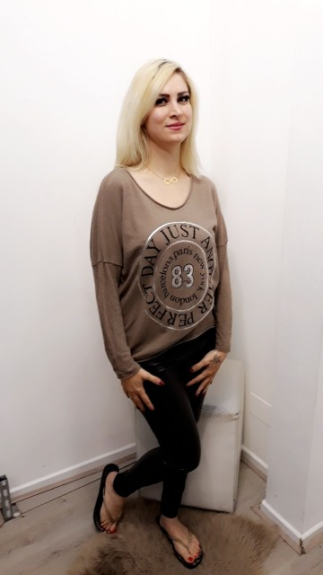 Text Sweater Cream