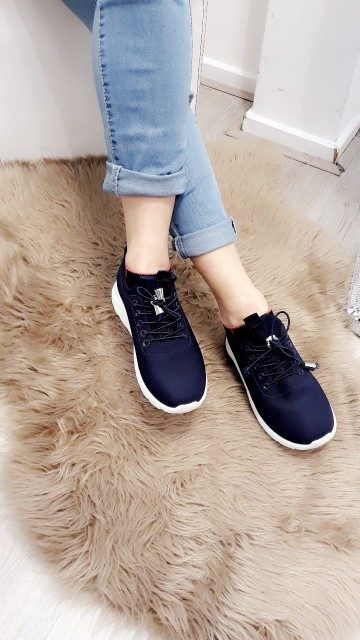 Basic blue sneakers