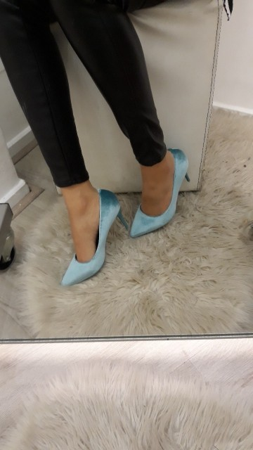 Suede blauwe pumps
