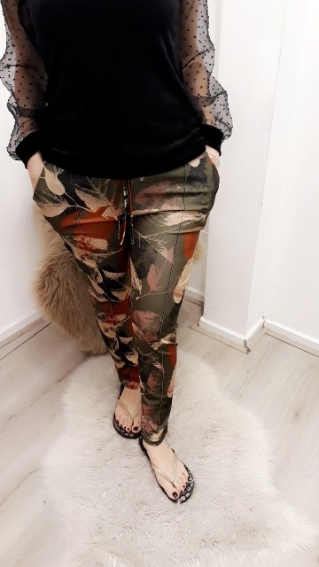 Tight Leaves Pants