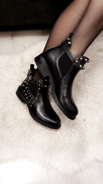 Pearled Black Boots