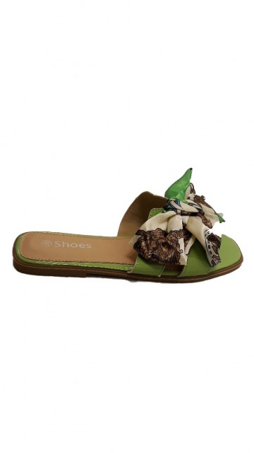Groene Slipper Met Strik