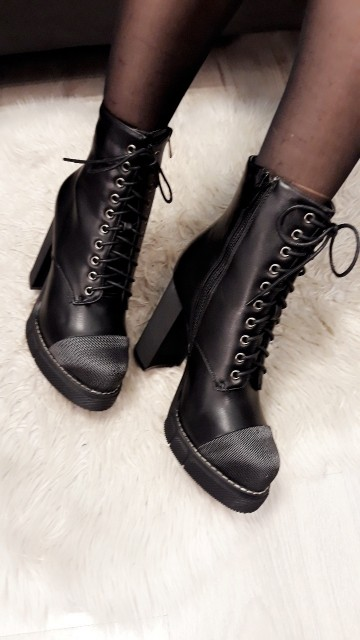 Beautifull Heeled Boots