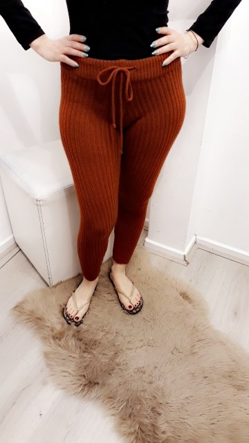 Red Tight Pants